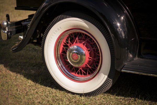 a-oscar07 - Exclusive Vintage Wedding Cars Hunter Valley Vintage Wedding Car Hire Pokolbin Lovedale Maitland Newcastle Cessnock